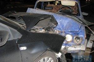 На Закарпатье столкнулись три авто, пострадал пешеход