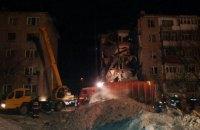 Девять человек погибли в результате обрушения многоэтажки в Казахстане