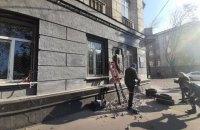 """Депутати від """"Слуги народу"""" обурилися демонтажем барельєфа Жукова в Одесі"""