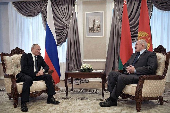 Встреча президент России Владимира Путина с президентом Беларуси Александром Лукашенко в Могилеве, Беларусь, 12 октября 2018.