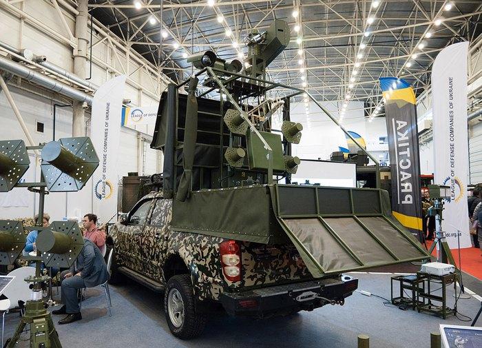 Мобільний комплекс боротьби з широким спектром безпілотних авіаційних комплексів «Полонез».