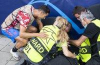 Жінка-стюард після нокдауну від удару Роналду, побачивши Кріштіану, подумала, що вона померла
