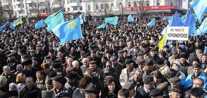 Всекрымский траурный митинг, приуроченный памяти Номана Челебиджихана 23 февраля 2014 в Симферополе.