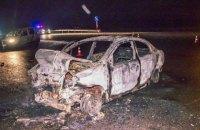 На одеській трасі під Києвом Chevrolet протаранив Land Rover і згорів дотла