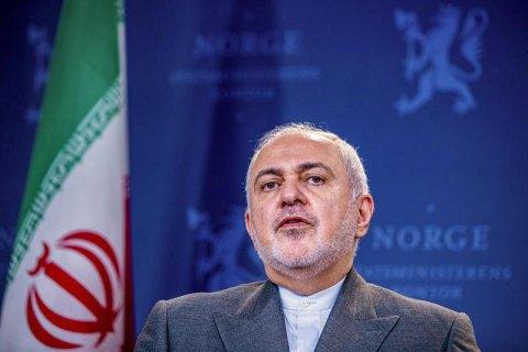 Глава МЗС Ірану несподівано прибув до міста проведення саміту G7, зустрівся з Макроном і полетів (оновлено)