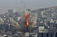 Российская и сирийская авиация всю ночь бомбили Алеппо и Идлиб, - правозащитники