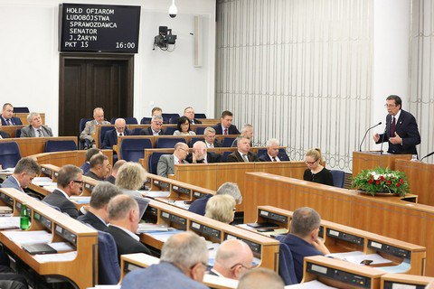 Сенат Польщі закликав Сейм назвати Волинську трагедію геноцидом