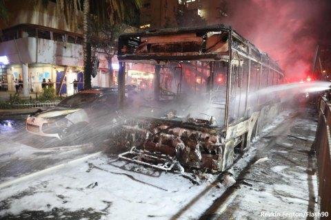 В Израиле палестинские ракеты попали в дома и автомобили, погибли пять человек