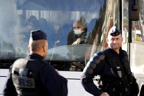 Евакуація, карантин, маски... Як Франція захищає себе від коронавірусу