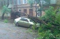 Более 100 аварийных бригад устраняют последствия урагана в Одессе