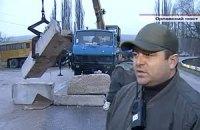 На въездах в Севастополь установили капитальные блокпосты