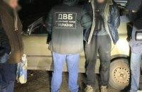 В Николаеве задержали двух патрульных из-за торговли марихуаной
