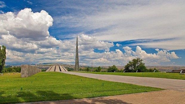 Мемориальный комплекс в Цицернакаберде