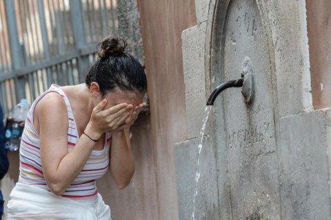"""Грецію накрила """"Історична хвиля спеки"""", температура зросте до +46"""