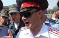 В Ереване произошла перестрелка между полицией и оппозиционерами, захватившими здание полиции
