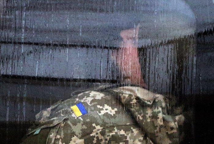 Український моряк в автомобілі ФСБ Росії після засідання суду в м. Сімферополь, Крим, 28 листопада 2018.