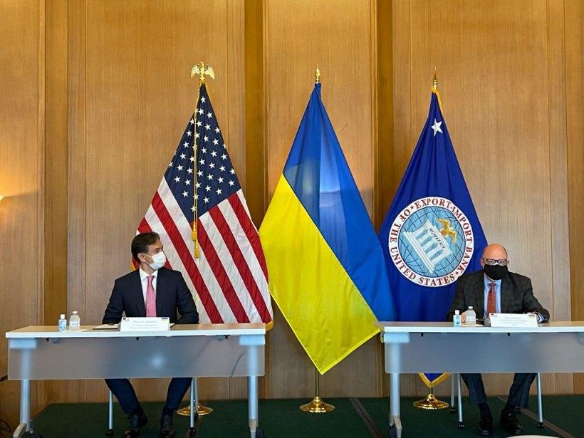 Міністр економіки України Олексій Любченко та Виконавчий Президент Експортно-імпортного банку США Джеймс Барроу підписали Меморандум про взаєморозуміння між Міністерством економіки України таEXIM Bank,30 серпня 2021 р.