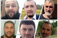ФСБ о четвертій ранку прийшла з обшуками в будинки кримських татар, інкримінують участь у терористичній організації (оновлено)