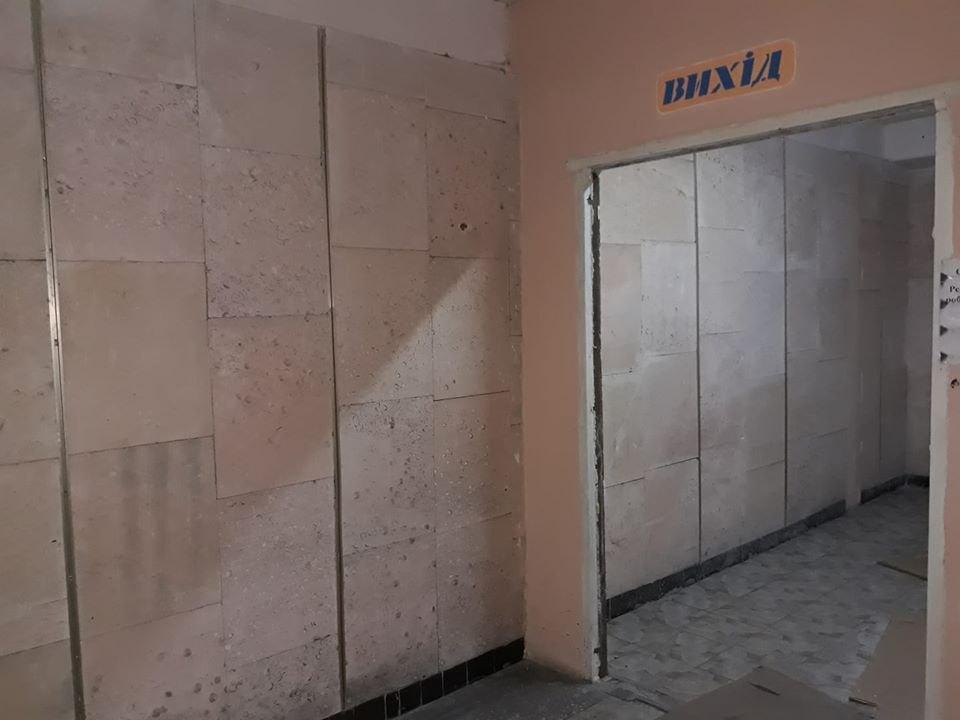 Место, где стояли двери