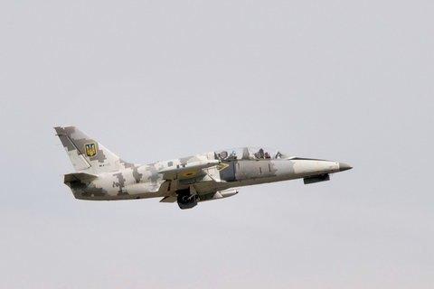 Біля Чугуєва впав навчальний літак Л-39