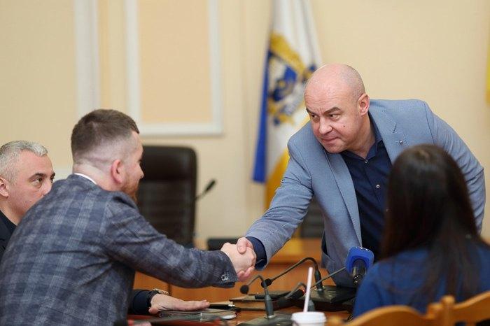 Сергій Надал (справа)