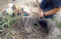 12-річний хлопець на Вінничині застряг у норі, яку вирив його собака