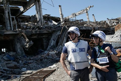 Місія ОБСЄ зафіксувала понад 300 обстрілів у районі Донецького аеропорту