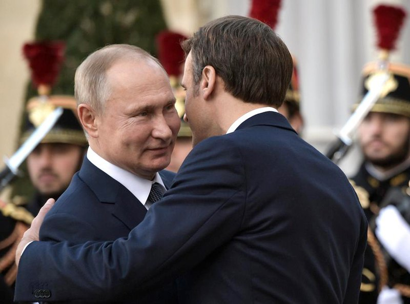 Встреча Владимира Путина и Эммануэля Макрона во время 'нормандского саммита'