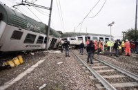 В Італії через сходження поїзда з рейок загинули дві людини, 100 постраждали
