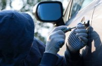 Зеленський підписав закон, що посилює відповідальність за викрадення авто