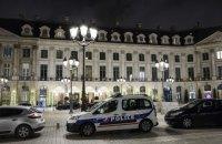 В Париже бандиты с топорами ограбили ювелирный магазин и потеряли часть награбленного