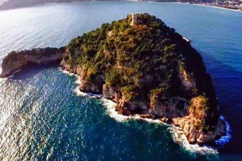 """В Італії перевірять продаж острова синові ексвласника """"Мотор Січ"""" Богуслаєву"""