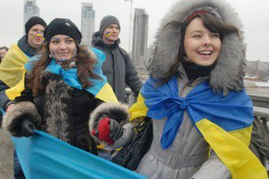 Более трети украинцев хотели бы родиться в другой стране