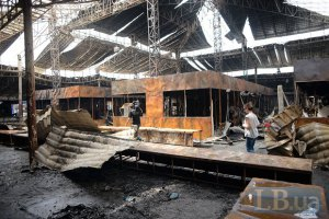 В Одессе горел строительный рынок