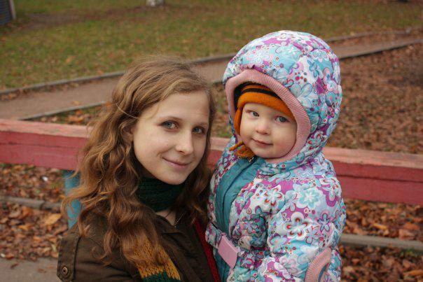 Еще одна Пусси Райот - Мария Алехина со своим сыном. Следователь уже спрашивал у Алехиной, не нуждается ли ее ребенок в услугах органов опеки
