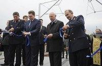 """Сегодня Азаров полностью откроет """"мост Кирпы"""""""