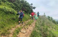 Рятувальники евакуювали з Говерли групу туристів з маленькими дітьми