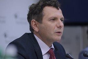 Устенко: позитивное решение МВФ по Украине стабилизирует курс гривны