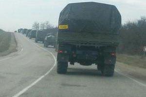 Колонна военных машин вошла в Симферополь