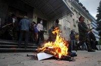 В Луганске взяли штурмом здание облпрокуратуры