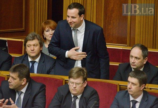 Олександр Саєнко (стоїть)