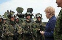 Литва має намір відновити обов'язковий призов
