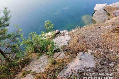У Київській області в кар'єрі потонув священик разом із чотирирічною донькою