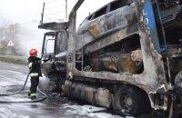 У Ровно столкнулись два автовоза, одна из фур сгорела вместе с машинами