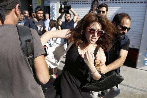 Поліція розігнала гей-прайд у Стамбулі