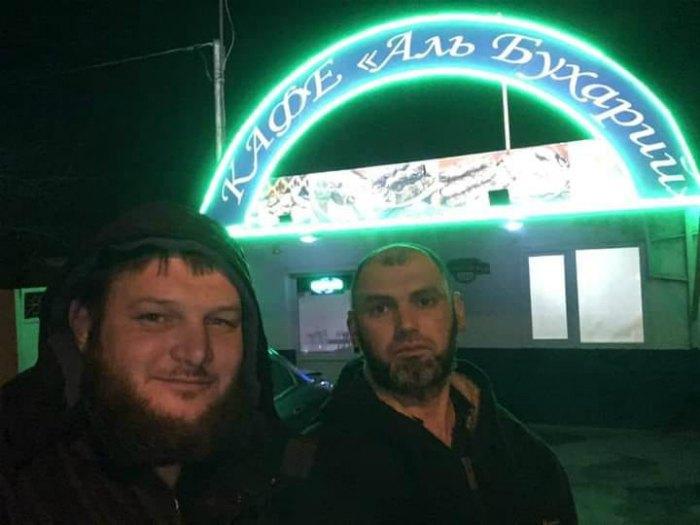Рустем Шейхалиев (справа) с другим задержанным активистом Ремзи Бекировым