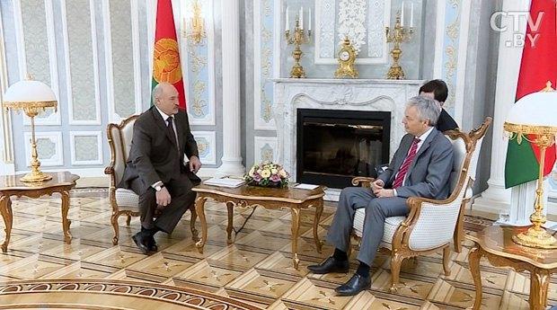 Александр Лукашенко и Дидье Рейндерс во время встречи в Минске 15 марта 2017 г