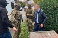 Заступника голови Закарпатської облради піймали на хабарі у понад півмільйона гривень