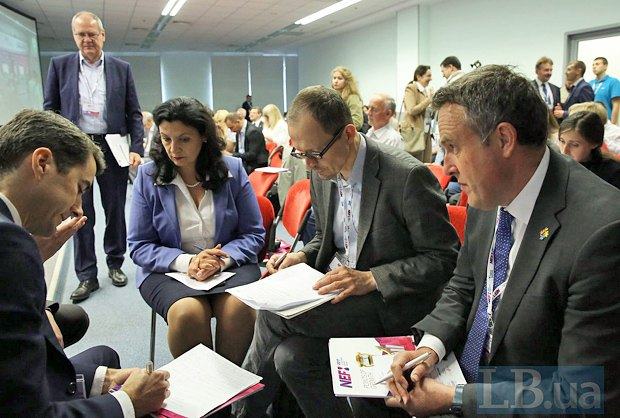 (right to left) Luc Jacobs, Gerhard Gnauck,Ivanna Klympush-TsyntsadzeandJean-Baptiste Jeangène Vilmer