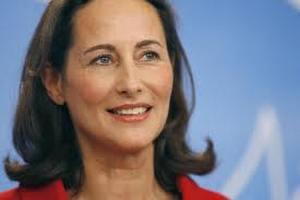 Французскому президенту устроили политический скандал